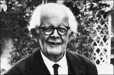 This picture shows a portait of Jean Piaget.
